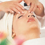 Natural Lift & Rejuvenating Facial Massage